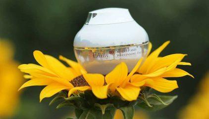 Theo Doisongphapluat.com: Trang điểm nhẹ nhàng, tự nhiên với sản phẩm Edally Make Up And Whitenning Day Cream